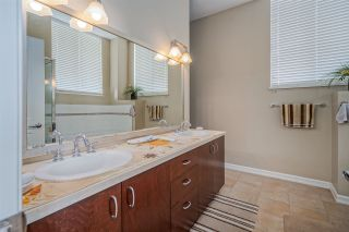 """Photo 15: 801 1581 FOSTER Street: White Rock Condo for sale in """"Sussex House"""" (South Surrey White Rock)  : MLS®# R2534984"""