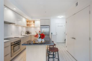 "Photo 12: 205 111 E 3RD Street in North Vancouver: Lower Lonsdale Condo for sale in ""VERSATILE"" : MLS®# R2510116"