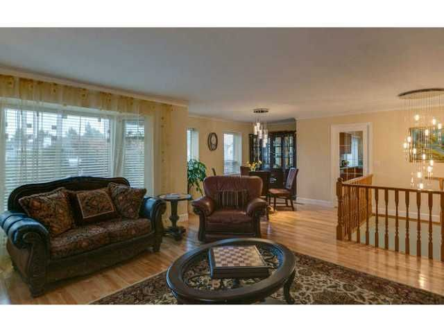 """Photo 4: Photos: 12403 188TH Street in Pitt Meadows: West Meadows House for sale in """"Highland Park Area"""" : MLS®# V1090347"""