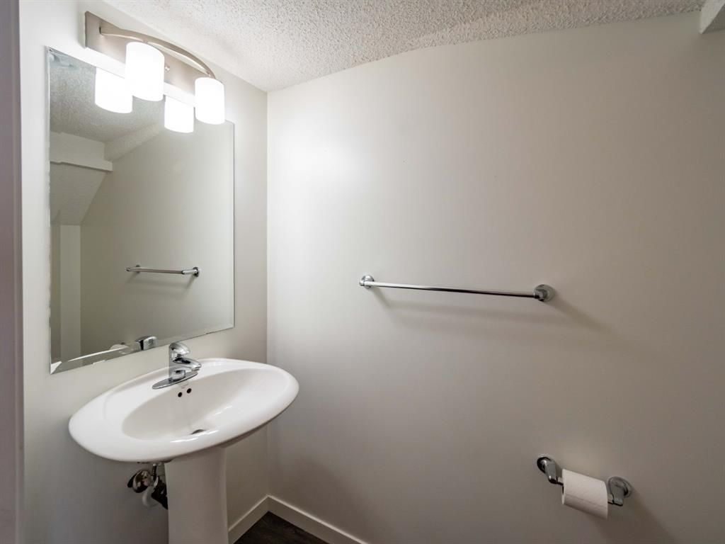 Photo 10: Photos: 544 Mckenzie Towne Close SE in Calgary: McKenzie Towne Row/Townhouse for sale : MLS®# A1128660