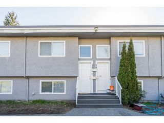 """Photo 3: 13 33900 MAYFAIR Avenue in Abbotsford: Central Abbotsford Townhouse for sale in """"Mayfair Gardens"""" : MLS®# R2563828"""