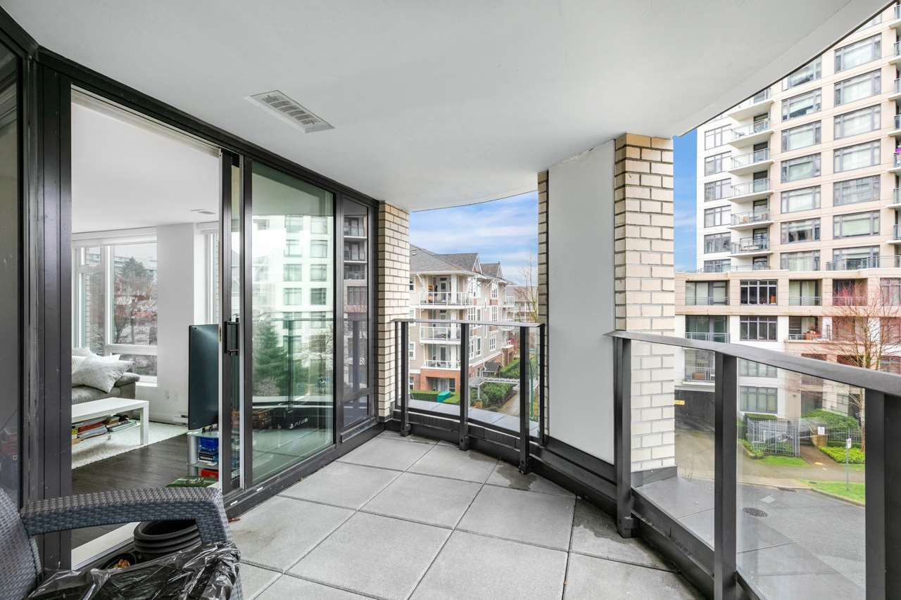 """Main Photo: 305 5470 ORMIDALE Street in Vancouver: Collingwood VE Condo for sale in """"WALL CENTRE CENTRAL PARK"""" (Vancouver East)  : MLS®# R2555276"""
