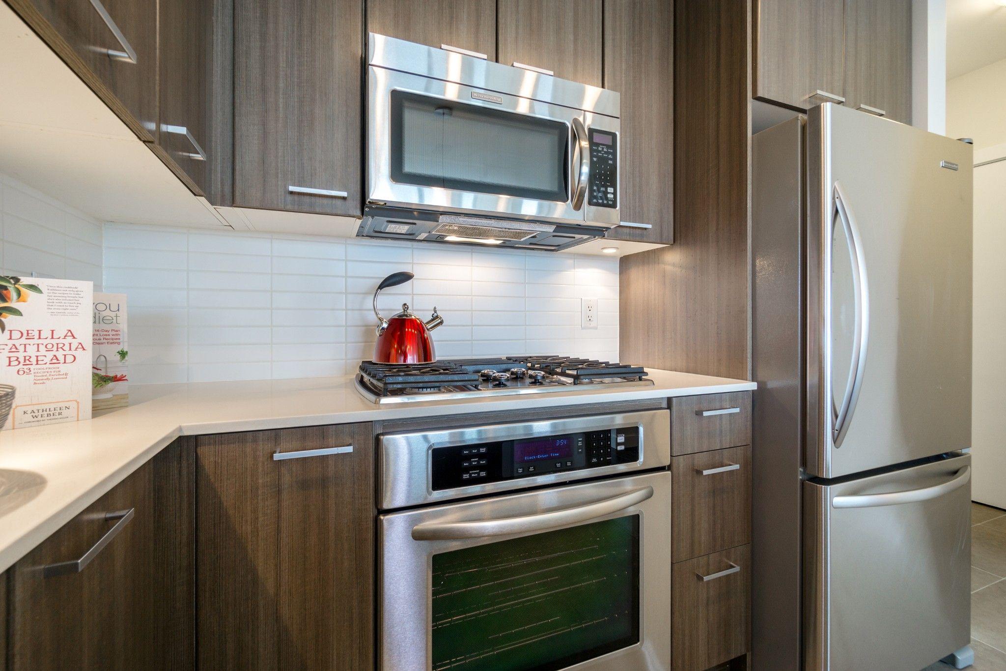 """Photo 7: Photos: 2906 2955 ATLANTIC Avenue in Coquitlam: North Coquitlam Condo for sale in """"OASIS"""" : MLS®# R2274297"""