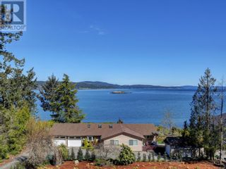 Photo 3: 1470 Lands End Rd in North Saanich: House for sale : MLS®# 884199