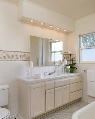 Photo 10: MISSION HILLS House for sale : 5 bedrooms : 2370 Hickory in San Diego