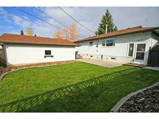 Photo 3: 11 LAKE TWINTREE Place SE in CALGARY: Lake Bonavista Residential Detached Single Family for sale (Calgary)  : MLS®# C3588950