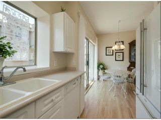 """Photo 4: 1534 BEST Street: White Rock Townhouse for sale in """"The Courtyards"""" (South Surrey White Rock)  : MLS®# F1316341"""
