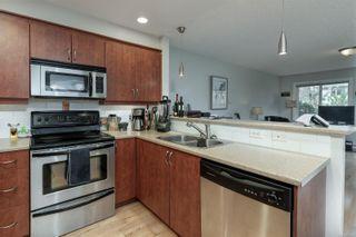 Photo 4: 2 1410 Walnut St in : Vi Fernwood Half Duplex for sale (Victoria)  : MLS®# 869322