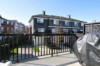 """Photo 3: 51 19572 FRASER Way in Pitt Meadows: South Meadows Townhouse for sale in """"COHO CHAPTER II"""" : MLS®# V996391"""