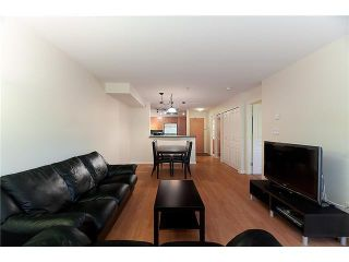 """Photo 3: 302 2161 W 12TH Avenue in Vancouver: Kitsilano Condo for sale in """"CARLINGS"""" (Vancouver West)  : MLS®# V909987"""