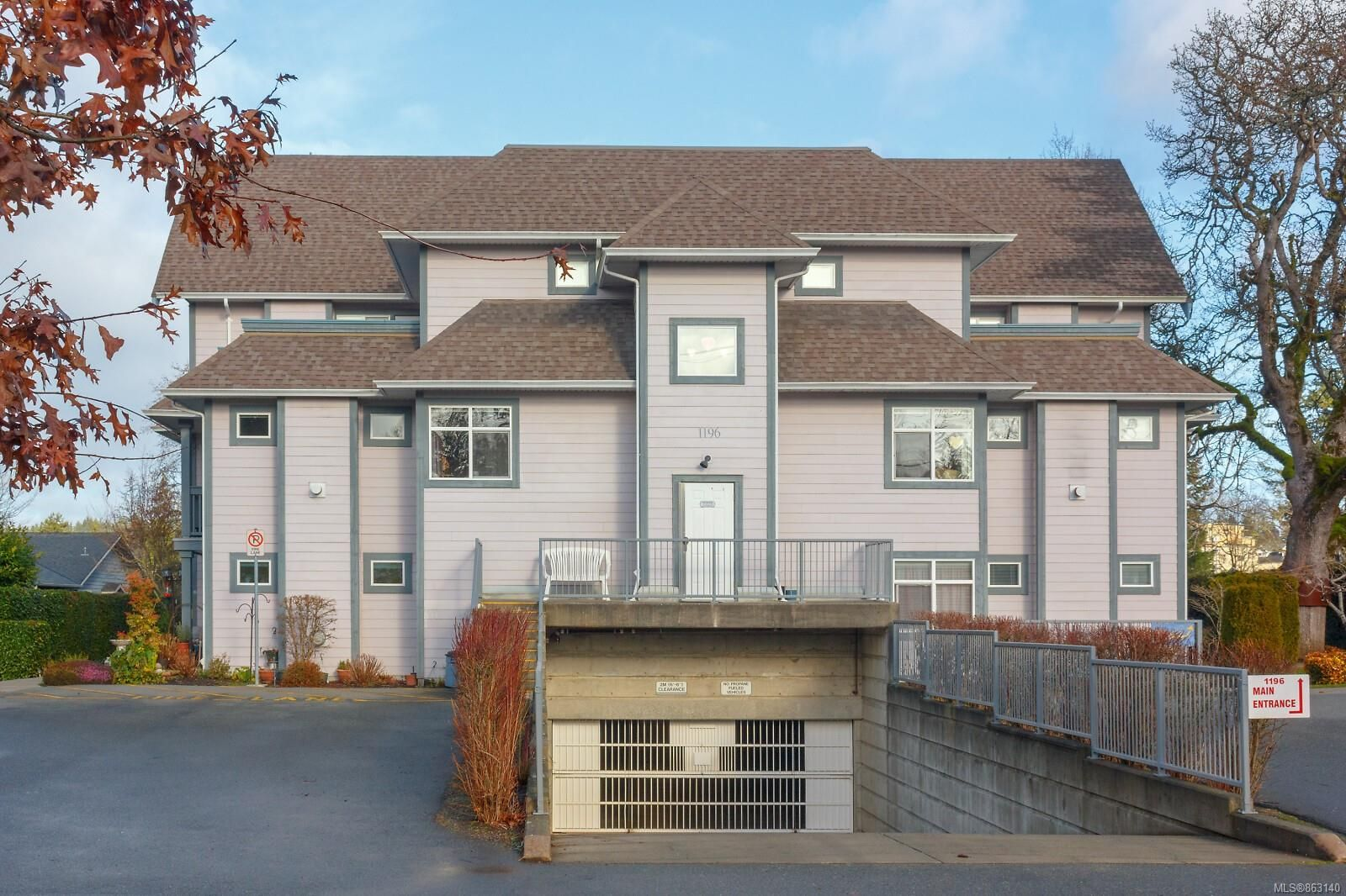 Main Photo: 106 1196 Sluggett Rd in : CS Brentwood Bay Condo for sale (Central Saanich)  : MLS®# 863140