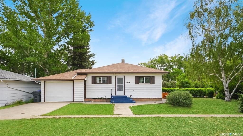 Main Photo: 1316 FOLK Street in Holdfast: Residential for sale : MLS®# SK864621