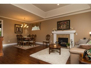 """Photo 3: 31 15450 ROSEMARY HEIGHTS Crescent in Surrey: Morgan Creek Townhouse for sale in """"THE CARRINGTON"""" (South Surrey White Rock)  : MLS®# R2133109"""