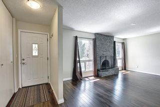 Photo 4: 2544 106 Avenue SW in Calgary: Cedarbrae Detached for sale : MLS®# A1102997