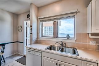 """Photo 8: 406 2271 BELLEVUE Avenue in West Vancouver: Dundarave Condo for sale in """"THE ROSEMONT ON BELLEVUE"""" : MLS®# R2356609"""