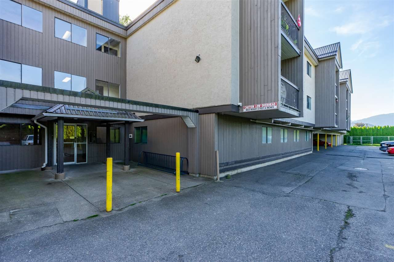 """Main Photo: 335 1783 AGASSIZ-ROSEDALE HIGHWAY NO 9 Highway: Agassiz Condo for sale in """"Northgate"""" : MLS®# R2472681"""