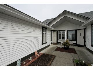 """Photo 19: 115 19649 53RD Avenue in Langley: Langley City Townhouse for sale in """"Huntsfield Green"""" : MLS®# F1406703"""