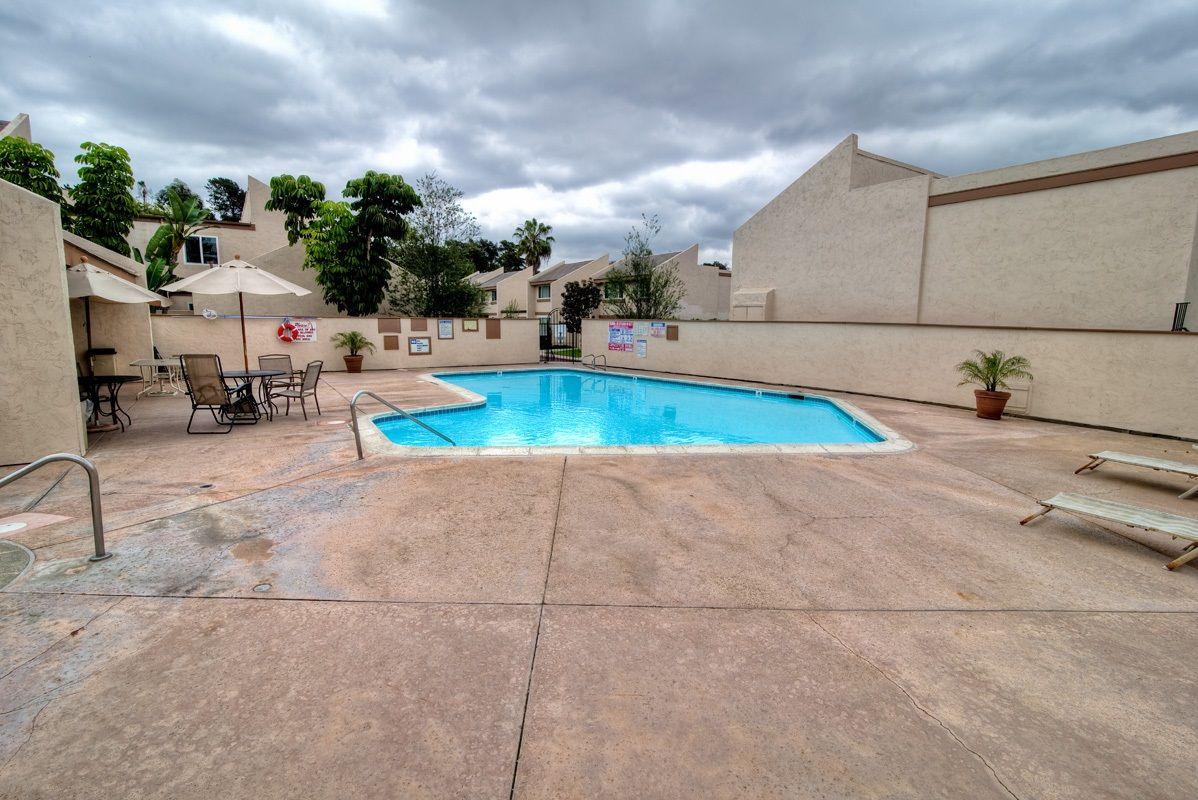 Photo 20: Photos: CLAIREMONT Condo for sale : 3 bedrooms : 5513 Caminito Roberto in San Diego