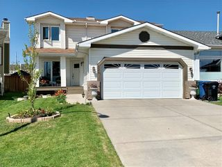 Photo 1: 525 DOUGLAS WOODS Place SE in Calgary: Douglasdale/Glen Detached for sale : MLS®# C4247773