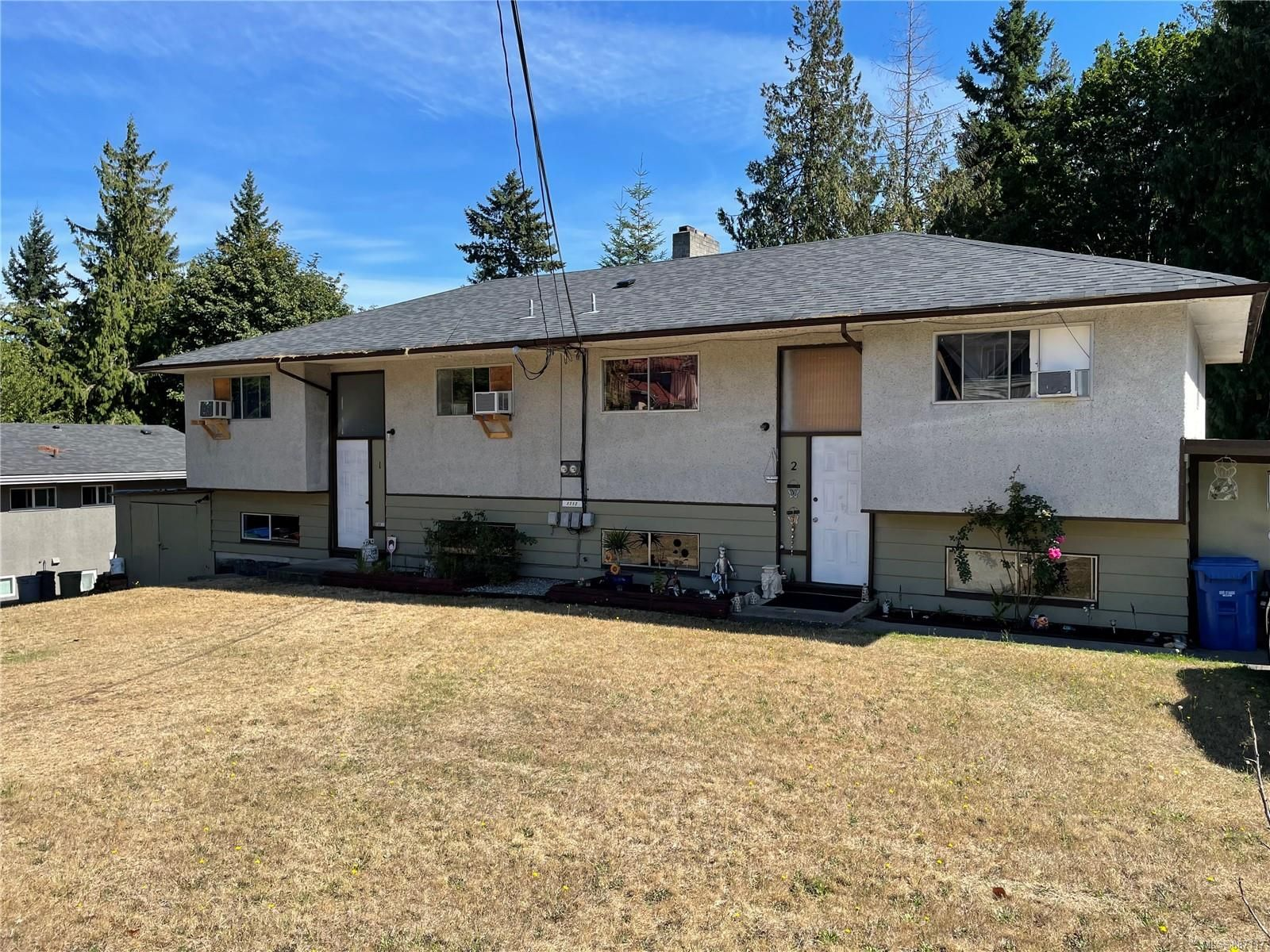 Main Photo: 1712 Extension Rd in Nanaimo: Na Chase River Full Duplex for sale : MLS®# 887117