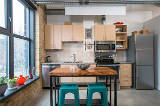 Photo 2: 363 Sorauren Ave Unit #210 in Toronto: Roncesvalles Condo for sale (Toronto W01)  : MLS®# W3692258
