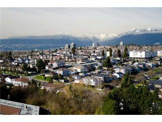 """Photo 1: 1605 4425 HALIFAX Street in Burnaby: Brentwood Park Condo for sale in """"POLARIS"""" (Burnaby North)  : MLS®# V934589"""
