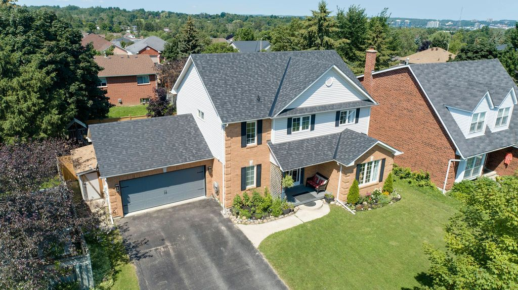 Main Photo: 29 Ingram Court in Barrie: House for sale (Simcoe)  : MLS®# 40129699
