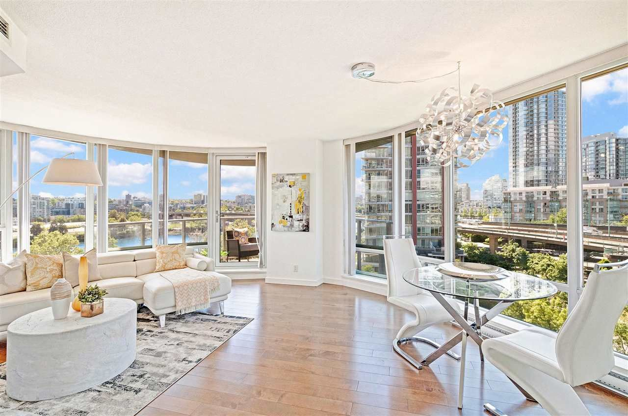 Photo 2: Photos: 806 918 COOPERAGE WAY in Vancouver: Yaletown Condo for sale (Vancouver West)  : MLS®# R2589015
