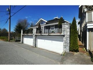 Photo 10: 4 227 E 11TH Street in North Vancouver: Central Lonsdale Townhouse for sale : MLS®# V1001342
