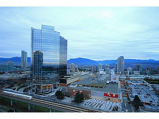 """Photo 13: 2207 6658 DOW Avenue in Burnaby: Metrotown Condo for sale in """"MODA"""" (Burnaby South)  : MLS®# V1101566"""