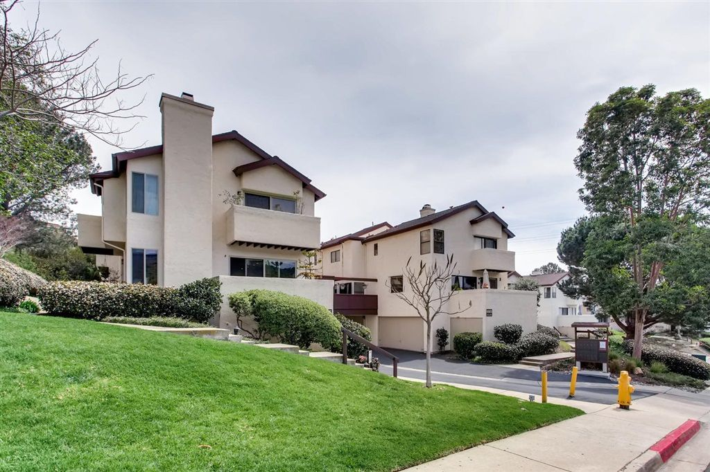 Main Photo: LINDA VISTA Townhouse for sale : 1 bedrooms : 6665 Canyon Rim Row #223 in San Diego