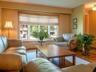 Photo 5: 90 Healy Crescent in Winnipeg: River Park South Residential for sale (2F)  : MLS®# 202122238