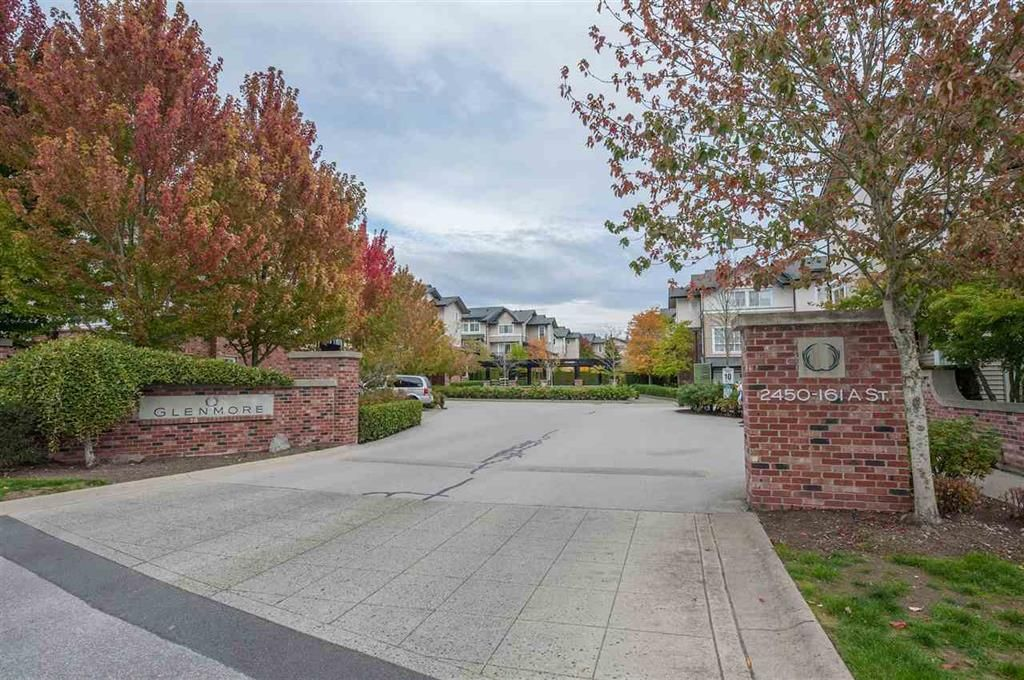 Main Photo: 222 2450 161A in Surrey: Grandview Surrey Townhouse for sale (South Surrey White Rock)  : MLS®# R2409680
