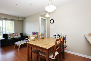 """Photo 5: 305 33960 OLD YALE Road in Abbotsford: Central Abbotsford Condo for sale in """"Old Yale Heights"""" : MLS®# R2614204"""