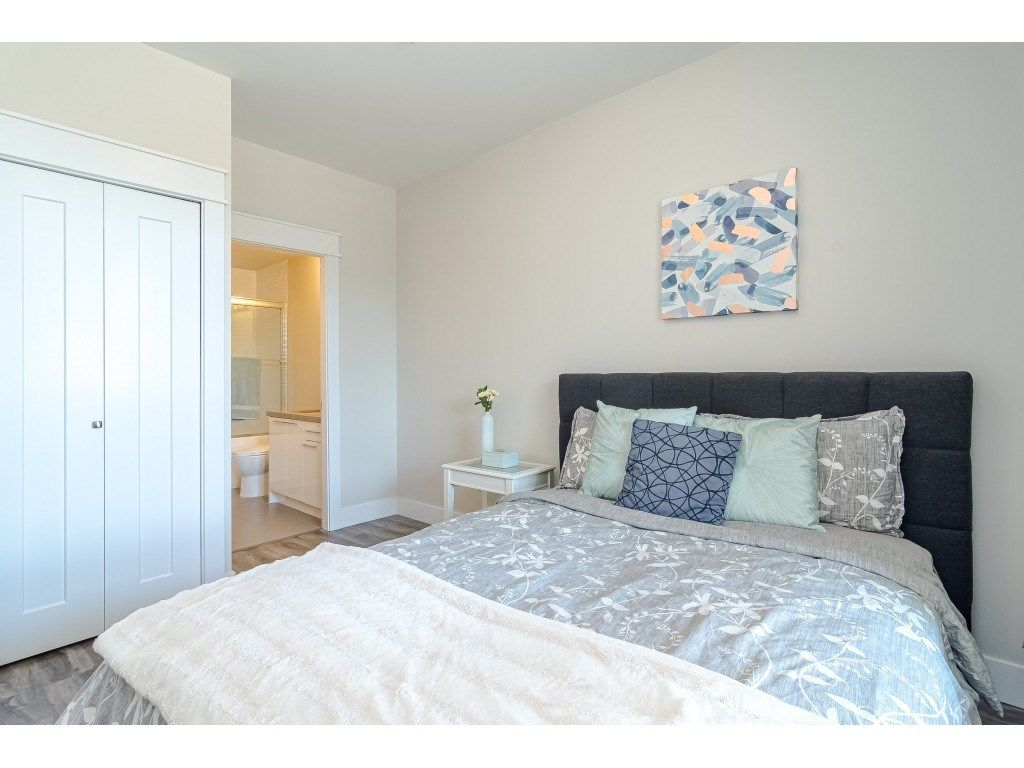 """Photo 15: Photos: 315 19228 64 Avenue in Surrey: Clayton Condo for sale in """"FOCAL POINT"""" (Cloverdale)  : MLS®# R2481765"""