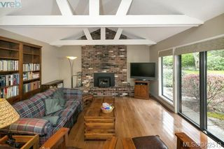 Photo 9: 623 Foul Bay Rd in VICTORIA: Vi Fairfield East House for sale (Victoria)  : MLS®# 726090