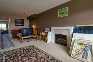 """Photo 7: 6 6233 TYLER Road in Sechelt: Sechelt District Townhouse for sale in """"THE CHELSEA"""" (Sunshine Coast)  : MLS®# R2470875"""