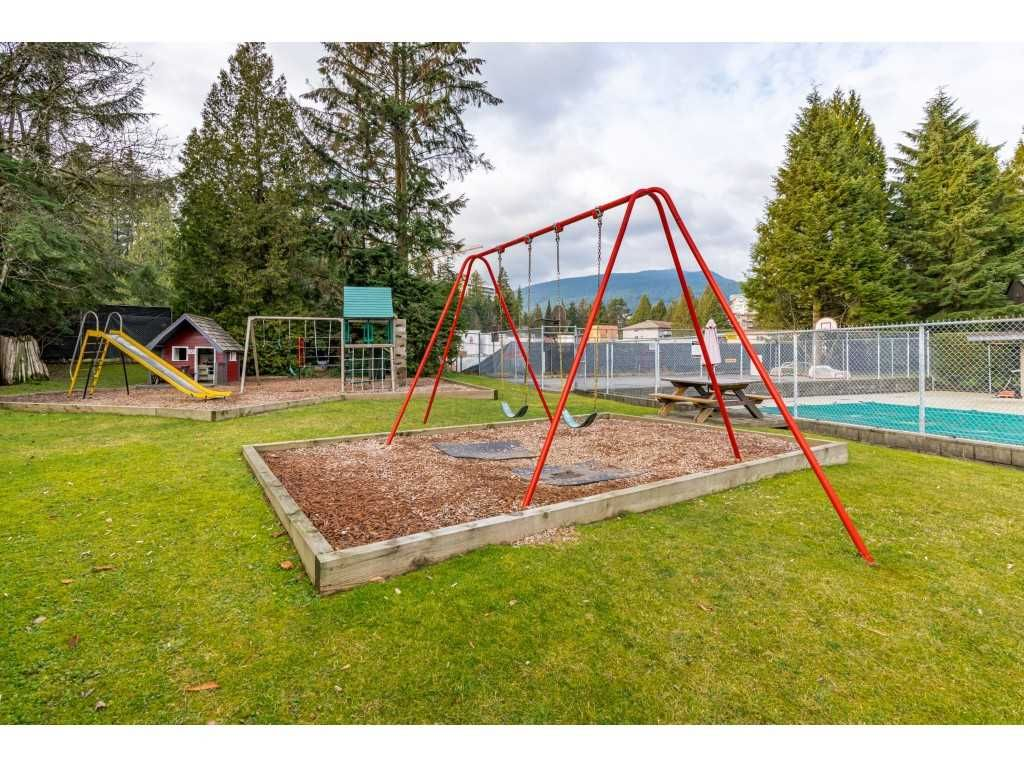 "Photo 34: Photos: 2393 MOUNTAIN Highway in North Vancouver: Lynn Valley Townhouse for sale in ""WORKWOOD PARK"" : MLS®# R2532253"