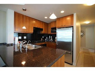 """Photo 5: 1002 1680 BAYSHORE Drive in Vancouver: Coal Harbour Condo for sale in """"BAYSHORE TOWER"""" (Vancouver West)  : MLS®# V1111737"""