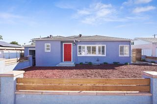 Photo 2: PARADISE HILLS House for sale : 4 bedrooms : 5851 Alleghany in San Diego