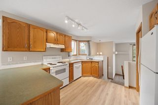 Photo 8: 33 Country Hills Drive NW in Calgary: Country Hills Detached for sale : MLS®# A1140748