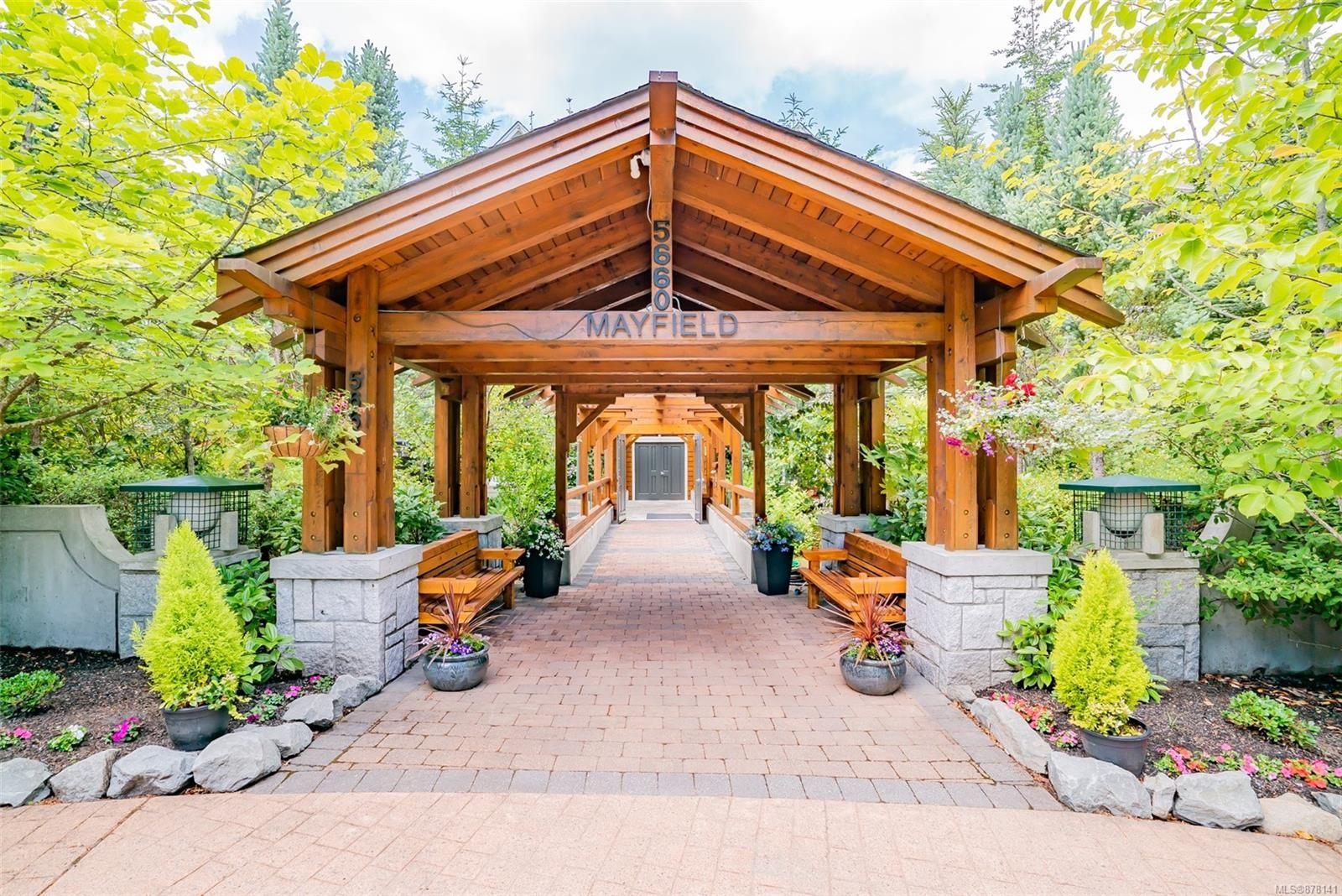 Main Photo: 203 5660 Edgewater Lane in : Na North Nanaimo Condo for sale (Nanaimo)  : MLS®# 878141