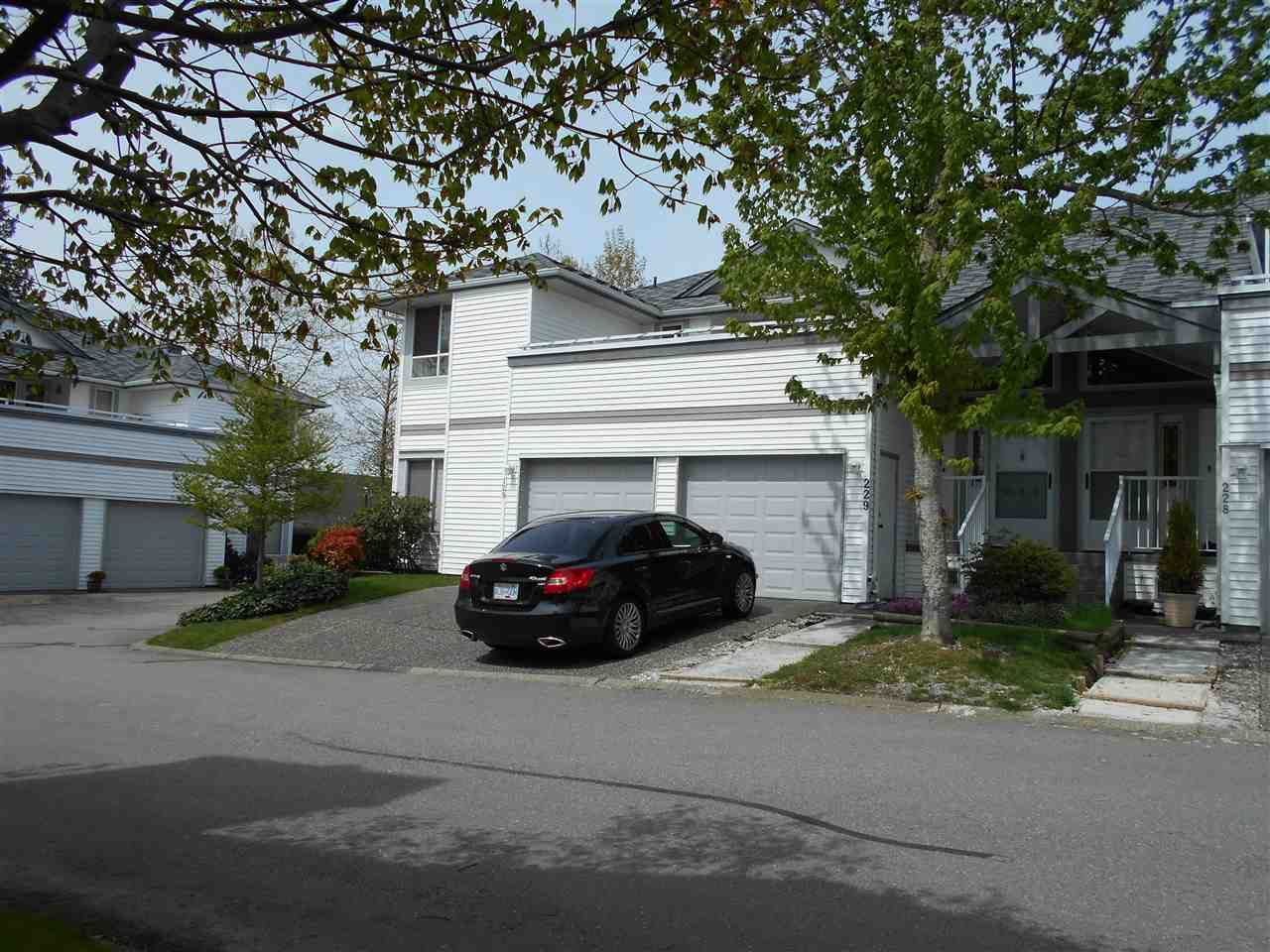 Main Photo: 229 13895 102 AVENUE in : Whalley Townhouse for sale (North Surrey)  : MLS®# R2161644