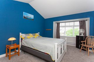 """Photo 12: 52 19448 68 Avenue in Surrey: Clayton Townhouse for sale in """"Nuovo"""" (Cloverdale)  : MLS®# R2274047"""