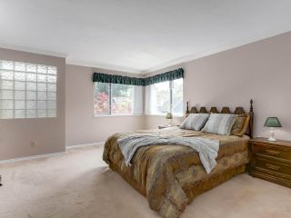 """Photo 13: 24 1925 INDIAN RIVER Crescent in North Vancouver: Indian River Townhouse for sale in """"Windermere"""" : MLS®# R2283604"""