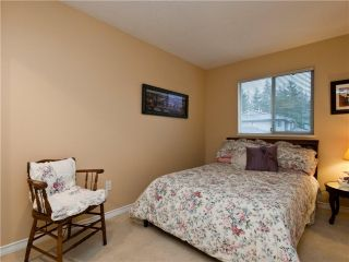 """Photo 8: 3944 INDIAN RIVER Drive in North Vancouver: Indian River Townhouse for sale in """"HIGHGATE TERRACE"""" : MLS®# V875032"""