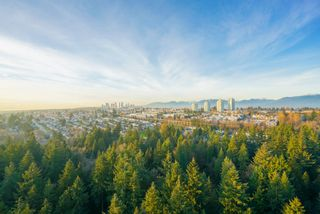 Photo 3: 2402 6823 STATION HILL DRIVE in Burnaby: South Slope Condo for sale (Burnaby South)  : MLS®# R2336774