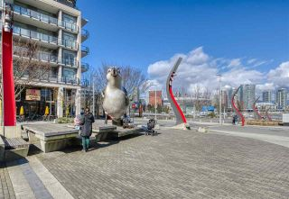 """Photo 25: 807 38 W 1ST Avenue in Vancouver: False Creek Condo for sale in """"THE ONE"""" (Vancouver West)  : MLS®# R2525858"""
