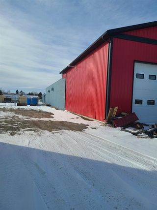 Photo 2: 4221 3 Street E: Claresholm Industrial for sale : MLS®# A1070917