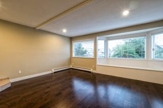 Photo 3: 312 E 11TH Street in North Vancouver: Central Lonsdale 1/2 Duplex for sale : MLS®# R2029471